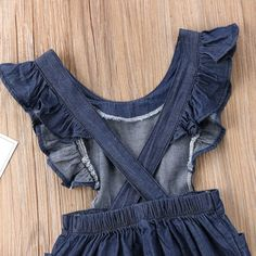 Material: Cotton,Polyester Gender: Baby Girls Sleeve Length(cm): Sleeveless Closure Type: Pullover Pattern Type: Solid Material Composition: cotton Collar: O-Neck Department Name: Baby Item Type: Rompers