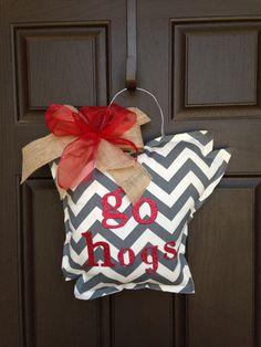 Arkansas Razorback Door Hanger on Etsy, $30.00
