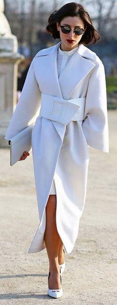 Street Style - Amazing White Coat