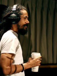 Damian Marley 🇯🇲 singer songwriter and the youngest son Of Jamaican 🇯🇲 Superstar Bob Marley Damian Marley, Marley Brothers, Reggae Bob Marley, Bob Marley Pictures, Marley Family, Famous Legends, Jah Rastafari, Reggae Artists, Robert Nesta