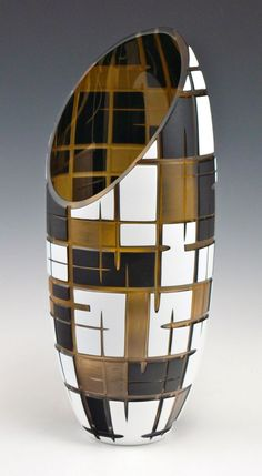 Gold Standard Porcelain China Value Vase Crafts, Bottle Crafts, Ceramic Pots, Glass Ceramic, Pottery Vase, Ceramic Pottery, Pottery Painting Designs, Art Diy, Wine Bottle Art