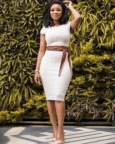 Here are some lovely and classy work outfits for ladies ladies, these outfits are really cool and will give you an awesome look. Classy Work Outfits, Classy Dress, Chic Outfits, Dress Outfits, Outfits Fo, Fashion Outfits, Latest African Fashion Dresses, African Dresses For Women, African Women