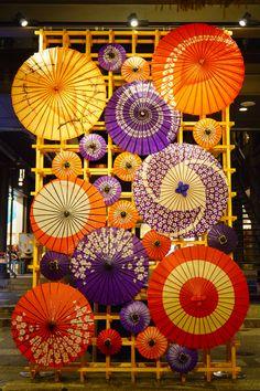 Chinese New Year Decorations, New Years Decorations, Japanese Bar, Pop Up Restaurant, Restaurant Interior Design, Retail Design, Store Design, Asian Art, Event Design