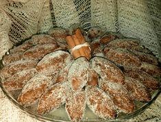 Receita de Broas de Café com Nozes | Doces Regionais Biscuits, Christmas Bread, Vegan Recipes, Vegan Food, French Toast, Deserts, Paleo, Food And Drink, Cookies