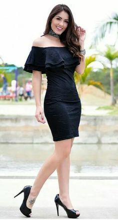 vestido colado tubinho preto babado com elastano jacquard