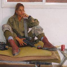 Beautiful Military Girls Of Israel (70 pics)