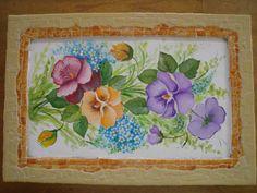 Uma bela Caixa de costura - moldura em mosaico e a pintura do amor perfeito em pintura decorativa. É um trabalho de minha aluna Marcia Motta!