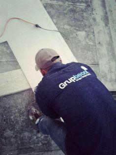 Preparación de estructura en paredes frontales. Www.gruptecol.com
