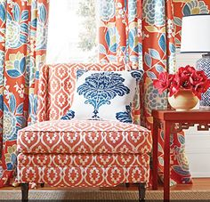 Beautiful Designs at Thibaut and Anna French - Classic Casual Home Salons Cottage, Decor Room, House Colors, Beautiful Homes, Family Room, Upholstery, Sweet Home, New Homes, House Design