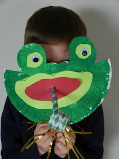 FROGS!!!!  Rib-bit, Rib-bit! It's frog week! Learn a few silly songs, make some adorable crafts and learn lots of great fun frog facts with the Lesson Planning Mommy!