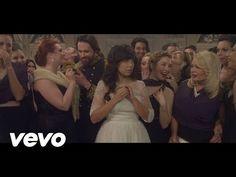 Indila - Nouveau single « Tourner dans le vide » Premier Album « Mini World » toujours disponible : http://po.st/MiniWorld Site officiel : http://www.indila....