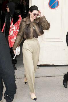 Cool Parizyen: Kendall Jenner / http://vogue.com.tr/unlu-stili/cool-parizyen-kendall-jenner/1