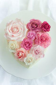Rose heart cake ✿⊱╮