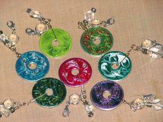 Swirl nail polish with a toothpick Nail Polish Jewelry, Nail Polish Crafts, Resin Jewelry, Jewelry Crafts, Beaded Jewelry, Washer Necklace Nail Polish, Jewelry Ideas, Jewelry Art, Washer Crafts