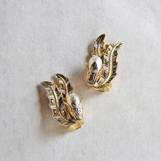VINTAGE FEATHER & PEARL EARRING (GOLD)/ヴィンテージ・パールイヤリング