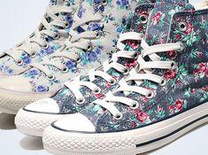 Converse Chuck Taylor All Star high tops- Floral Converse Outfits, Floral Converse, Cheap Converse Shoes, Tenis Converse, Cute Converse, Floral Sneakers, Casual Outfits, Converse Style, Converse Sneakers