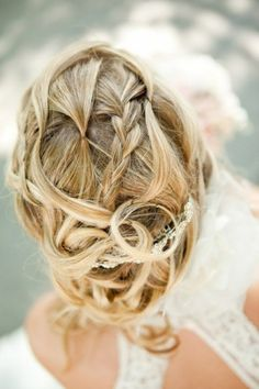 Gorgeous and intricate bun hairstyle for weddings