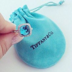tiffany jewelry for women jewelry for love jewelry Charm bracelet - not this exact one of course Tiffany.best necklace ever gotten Verde Tiffany, Tiffany & Co., Tiffany Outlet, Tiffany Party, Pierre Turquoise, Turquoise Color, Cute Work Outfits, Spring 2015 Fashion, Color Turquesa