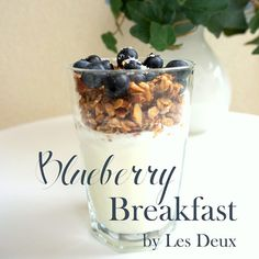 Healthy Blueberry Breakfast with homemade Granola Salmon Pasta, Blueberry Breakfast, Granola, Food Inspiration, Acai Bowl, Yummy Food, Homemade, Healthy, Acai Berry Bowl