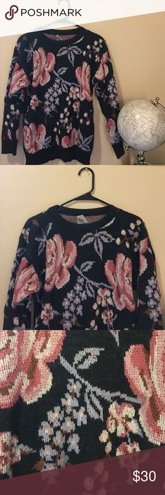 Vintage Floral Wool Sweater Incredible sweater, heart eyes for days. I've loved this baby since the moment i laid eyes on it at a vintage boutique, but alas, i am moving to Hawaii where there is no need for heavy warm clothes like such. This sweater could fit anyone from an XS-L, all depends on your preferred fit. I love it paired with a collared shirt and leggings. There are a couple little pulled thread flaws, the normal things you'd see in any vintage clothing article. Ask questions 😘…
