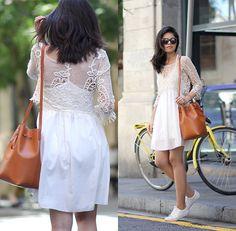 Adriana Gastélum - Shein Lace Crop Top, Mansur Gavriel Bucket Bag, Karen Walker Sunnies - Layer that lace crop top