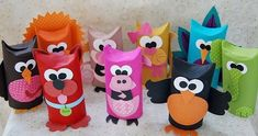 Animais feitos com sucata: cachorro, pavão, elefante, leão feitos com rolinho de papel reciclado - ESPAÇO EDUCAR