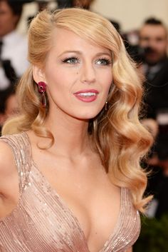 Blake Lively - Met Gala 2014... The colours and her beautiful hair!