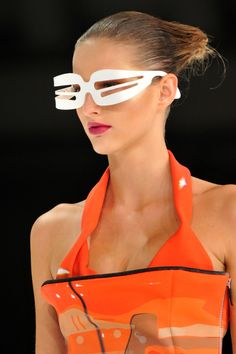 """Hussein Chalayan S/S 2009 at KG """"The Art of Fashion"""""""