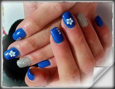 Blu elettrico con adesivo fiore e strass