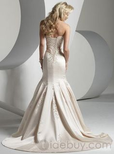 Attractive Trumpet/Mermaid Sweetheart Chapel Train Satin Wedding Dress