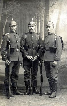 Three types of pickelhauben German Uniforms, Military Uniforms, World War One, First World, Holy Roman Empire, History Images, Beautiful Castles, Modern Times, Prussia