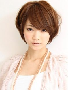 Most Popular cute Asian Short Bob Hairstyles Trend – This hairstyle is surely very cool and feminine. The soft Asian hair definitely fits this type of hairstyle. Short Hair Cuts For Round Faces, Short Haircuts With Bangs, Round Face Haircuts, Girl Haircuts, Hairstyles For Round Faces, Short Hairstyles For Women, Girl Hairstyles, Bob Haircuts, Celebrity Hairstyles