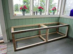 Talo maalla: Säilytyspenkki Deck Storage, Garden Tool Storage, Beach Hut Decor, Home Bar Rooms, Window Benches, Kitchen Benches, Diy Sofa, Small House Design, Diy Furniture