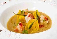 Zuppa Thailandese alla polpa di granchio con ravioli di gamberi e cocco :: Le Chef - Cozinha Elegante