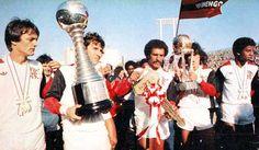 ZICO. 1981 - Flamengo fuzila o Liverpool da Inglaterra por 3 x 0 na decisão do Mundial de Clubes em Tóquio, no Japão. Zico é considerado o melhor jogador da decisão.