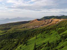 大地のいぶき 群馬県と長野県の県境にある、白根山です。