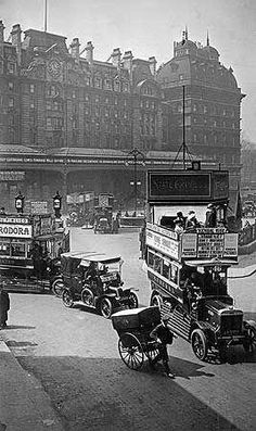 Victoria Station, Victoria Street, Westminster, London 1915. See the next door post in my London board for how it's changed (or not changed) in a century.