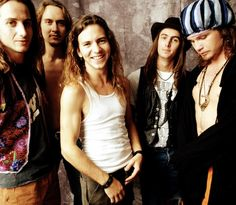 Image discovered by Find images and videos about pearl jam and eddie vedder on We Heart It - the app to get lost in what you love. Music Love, Rock Music, Nirvana, Pearl Jam Ten, Jam Songs, Mode Outfits, Fashion Outfits, Pearl Jam Eddie Vedder, Hip Hop