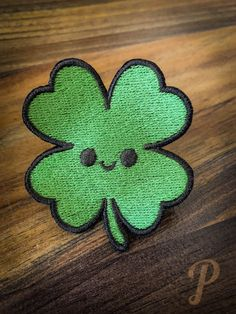 Shamrock patch // ornament Monster Hunter, Some Times, Satin Stitch, Different Colors, Badge, Patches, Blessed, Felt, Ornaments