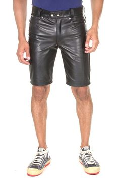 Mens Leather Shirt, Leather Jeans, Lederhosen, Leather Fashion, Mens Fashion, Vogue, Pants Pattern, Menswear, Bambam