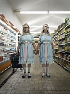 """What if the most scary film horror characters were still alive now? Federico Chiesa and Carolina's photography project """"Horror Vacui"""" and the terrifying Shining twins. Scary Movies, Horror Movies, Mad Movies, 80s Movie Characters, Horror Vacui, The Shining Twins, Shining 2, Horror Villains, Fritz Lang"""