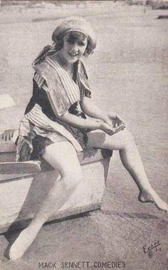Arcade Card - 1920's - Mack Sennet Comedies - @~ Watsonette