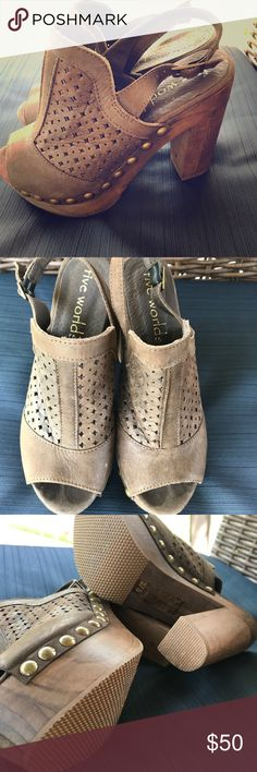 Five worlds sandals new!!!! Never worn beautiful chunky sandals extremely comfortable Shoes Sandals