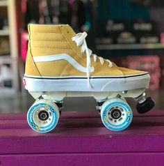 We can make almost any shoe/boot into a roller skate. All custom skates completed by Nick the Medic from the Moxi Skate Team in Long Beach California. Vans Skateboard, Skateboard Pictures, Roller Derby, Roller Skating, Rolling Skate, Vans Shoes Fashion, Roller Skate Shoes, Quad Skates, Aesthetic Shoes