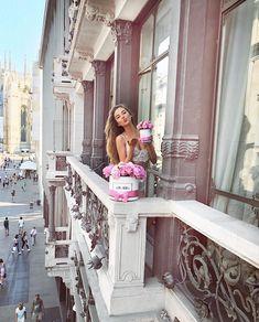 """20.9k Likes, 186 Comments - ⠀⠀⠀⠀ ✨Kristina Krayt✨ (@kristabelkrayt) on Instagram: """"Звезды сошлись и предвещают тотальное избавление от сантиметров на талии. Любим праздновать- любим…"""""""