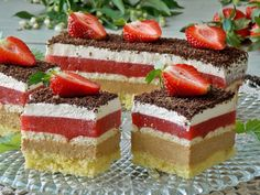 Krispy Kreme, Fondant, Mini Cakes, Yummy Cakes, Vanilla Cake, Tiramisu, Ale, Cheesecake, Cooking Recipes