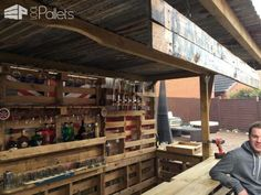 Making the Ultimate Garden Bar Using Pallets DIY Pallet BarsPallet Terraces & Pallet Patios