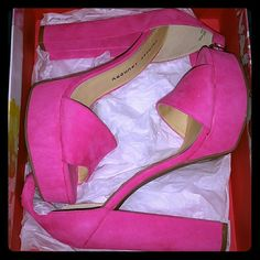Cute pink Chinese laundry platform heels!!! Perfect condition! Only worn once to try on! Chinese Laundry Shoes