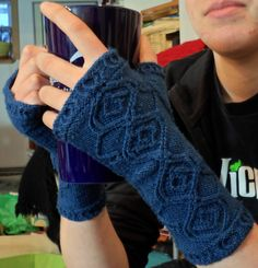 Gallifrey Mitts -- free knit pattern on Ravelry