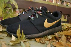 Nike Roshe Run #blackandgold